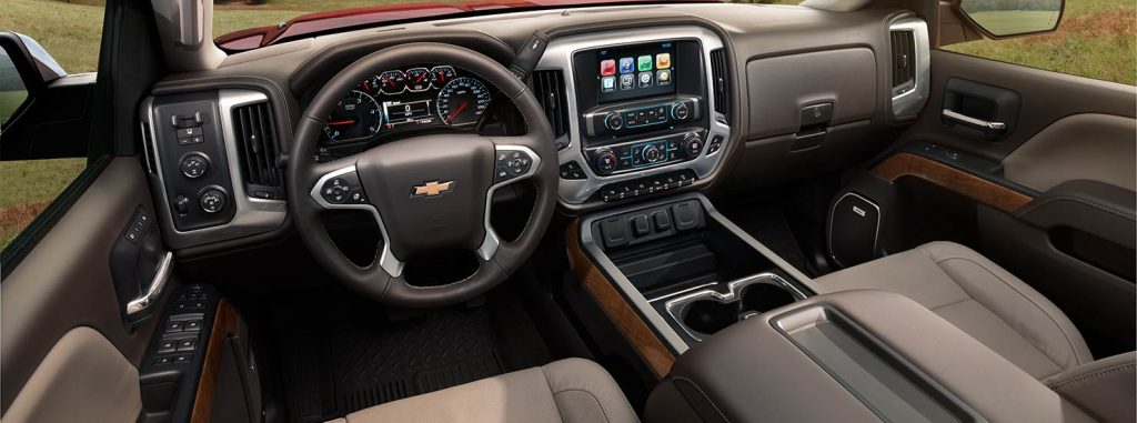 2015-chevrolet-silverado-2500hd-heavy-duty-truck-mo-interior-main-flipper-1480x551-01